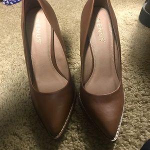 VENUS Shoes - Pointy toe Chunky heel pump 4.5inch heels